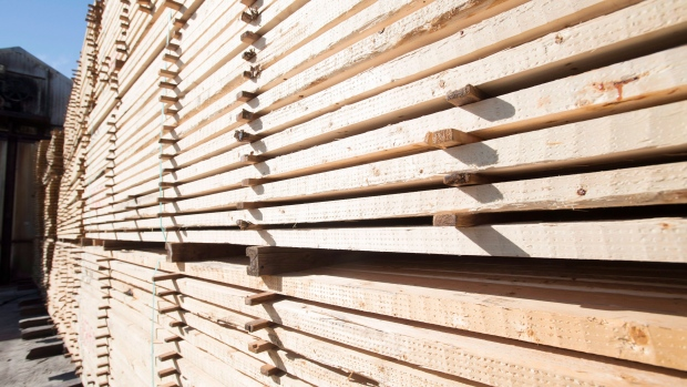 Canada and u s remain 39 quite far apart 39 on softwood for Softwood decking boards