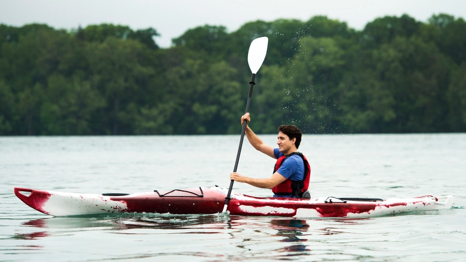 Prime Minister Justin Trudeau kayaks on the Niagara River in Niagara-on-the Lake, Ont., on Monday, June 5, 2017. (Nathan Denette/The Canadian Press)