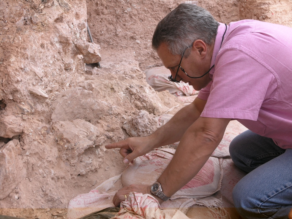 Dr. Jean-Jacques Hublin on first seeing the new finds at Jebel Irhoud (Morocco). (MPI EVA Leipzig / McPherron)