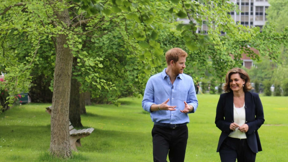 Lisa LaFlamme, Chief Anchor and Senior Editor of CTV National News, interviews Prince Harry at Kensington Palace for the one-hour special 'Prince Harry: Journey to Invictus.' (Rosa Hwang/CTV News)