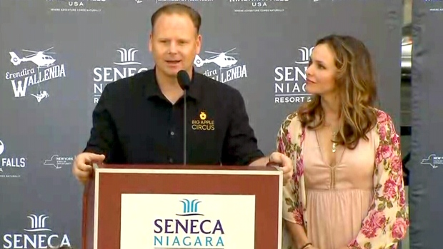 Erendira Wallenda hangs out of helicopter by teeth, toes over Niagara Falls