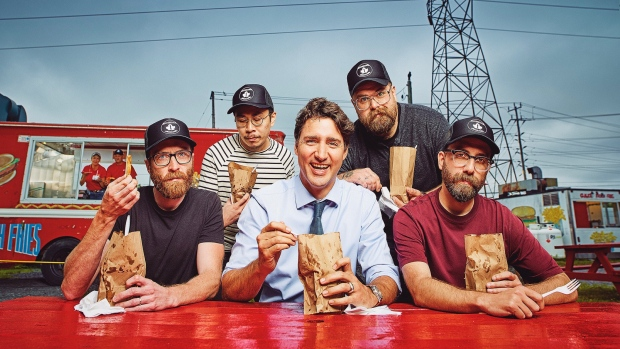 What&#39;s more Canadian than sitting down to some chip stand fries in Ottawa with the PM? <br><br>