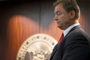 Sen. Dean Heller, R-Nev., announces he will vote no on the proposed GOP healthcare bill, at the Grant Sawyer State Office Building, in Las Vegas, on Friday, June 23, 2017. (Erik Verduzco/Las Vegas Review-Journal via AP)