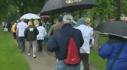 Walk raises awareness for brain tumors