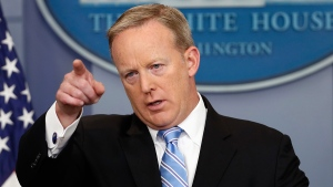White House press secretary Sean Spicer points to a questioner during the daily news briefing at the White House in Washington, Monday, June 26, 2017. (AP / Alex Brandon)