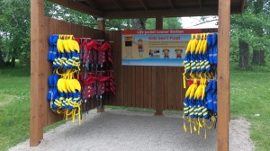 The Manitoba government is expanding a life-jacket borrowing program to Birds Hill Provincial Park. (Beth Macdonell/CTV Winnipeg)