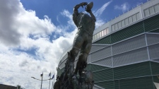 Statue unveiled at Mosaic Stadium