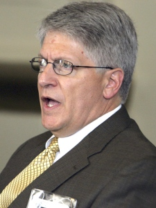 Durham County District Attorney Mike Nifong testifies during his North Carolina State Bar trial in Raleigh, N.C., Friday, June 15, 2007. (AP / Gerry Broome, Pool)