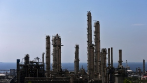 This Thursday, Nov. 19, 2015 photo shows a general view of a petrochemical complex in the South Pars gas field in Asalouyeh, Iran, on the northern coast of Persian Gulf. (AP / Ebrahim Noroozi)