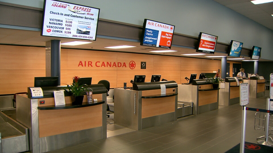 Passengers found the Air Canada check in counter empty when they arrived at Abbotsford Airport for a flight to Toronto.(CTV)