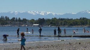 Environment Canada is predicting temperatures of 27 C for Greater Victoria on Monday, dipping to 22 C on Wednesday before climbing to 30 C on Saturday. (CTV News)