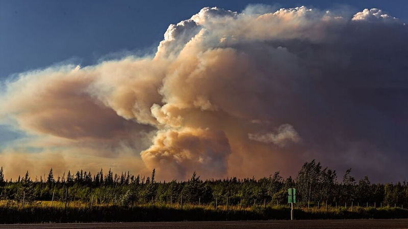 Instagram user @clinttrahan captured this image of smoke billowing near 100 Mile House. (Clint Trahan)