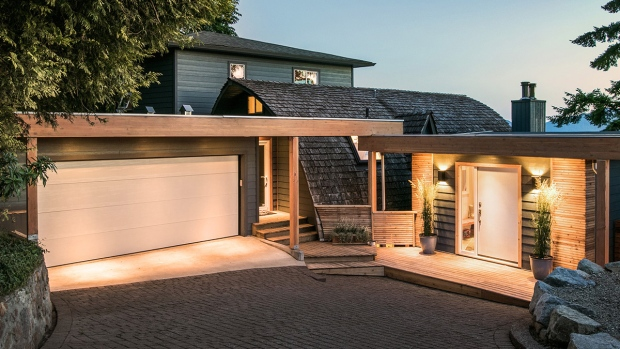 "The star of HGTV's ""Love It or List It"" is selling his waterfront home in Lions Bay, B.C., for nearly $2.4 million. (Blu Realty)"