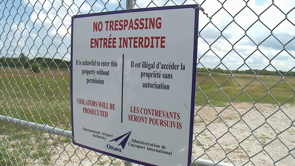 Ottawa Airport Authority has installed gates and concrete barriers at a favorite stomping ground for photographers and aircraft enthusiasts along Leitrim Road.
