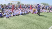 Vikings visit Winnipeg kids