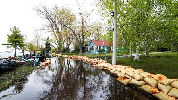 Toronto islands set to reopen after severe spring flooding ctv news for Deer lake swimming pool schedule