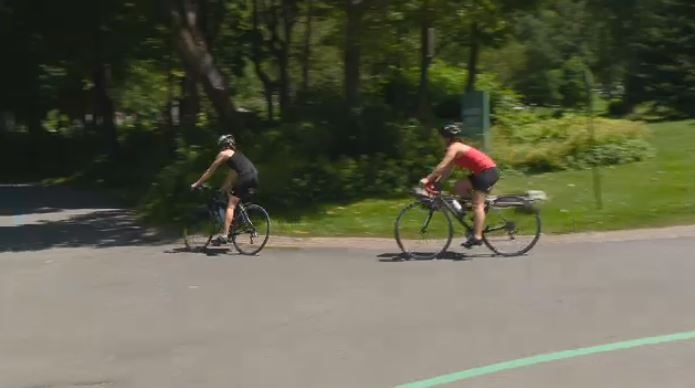 Cyclists and pedestrians will be able to make it across Mount Royal, but not drivers, starting in the spring of 2018