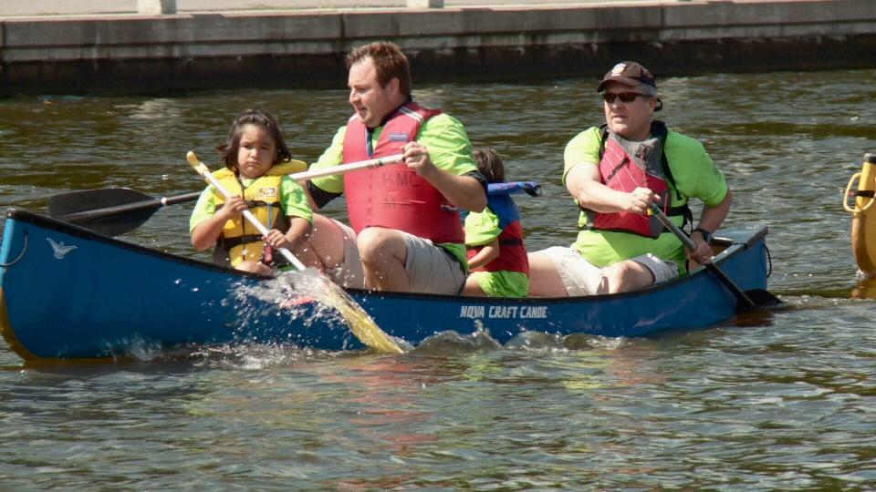 Hrnchiar, Veldon Coburn and two girls in canoe.