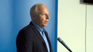 Jean-Francois Lisée, leader of the PQ, is proposing tougher language laws for immigrants, students, and businesses (August 10, 2017)
