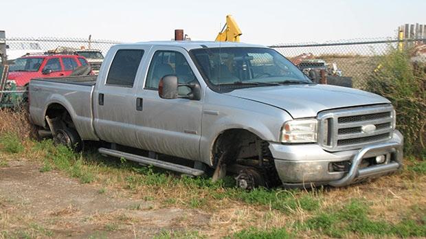 Stolen truck, police pursuit, three arrested, Mult