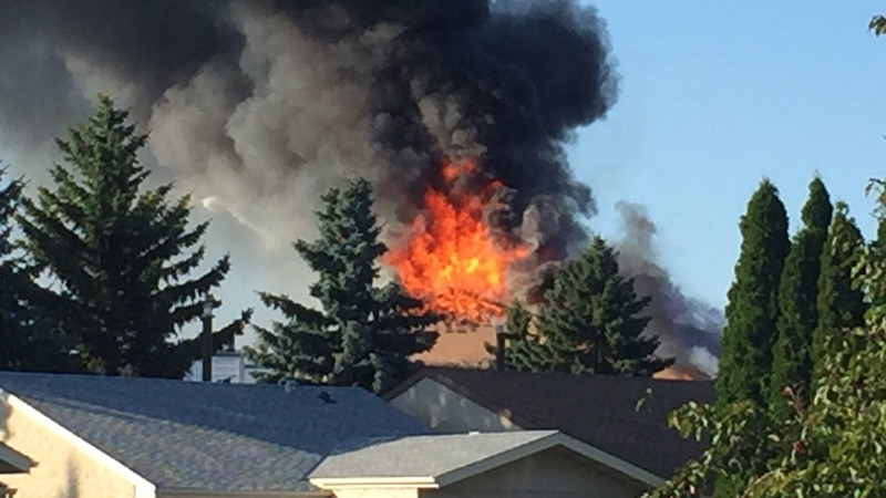 Condo building fire in northeast Edmonton on August 11, 2017. (Courtesy Estere Westmaas)