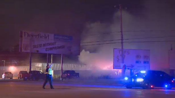 A warehouse behind the MMA Fight Shop in Kahnawake was the site of an early morning fire on Sunday.