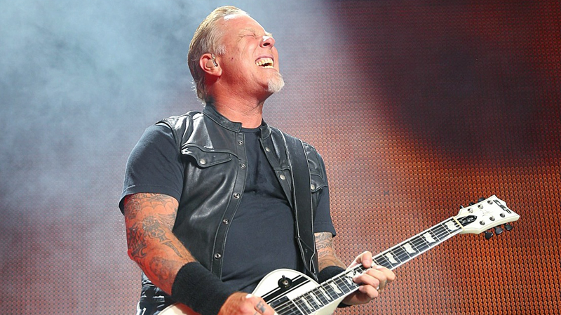 Metallica's James Hetfield plays Vancouver's BC Place Stadium on August 14, 2017. (Kenny Tai photography)