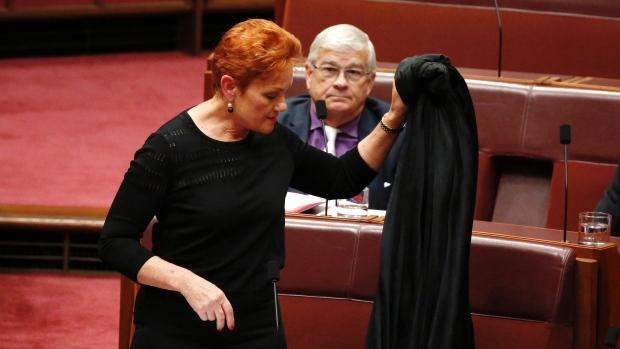 Pauline Hanson, burqa