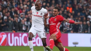 Besiktas' Atiba Hutchinson, left, dribbles past Benfica's Eduardo Salvio, right, during their Champions League Group B soccer match, in Istanbul, Wednesday, Nov. 23, 2016. Midfielders Hutchinson and Will Johnson, both former national players of the year, have been named to Canada's men's soccer team ahead of a friendly with Jamaica on Sept. 2. THE CANADIAN PRESS/AP