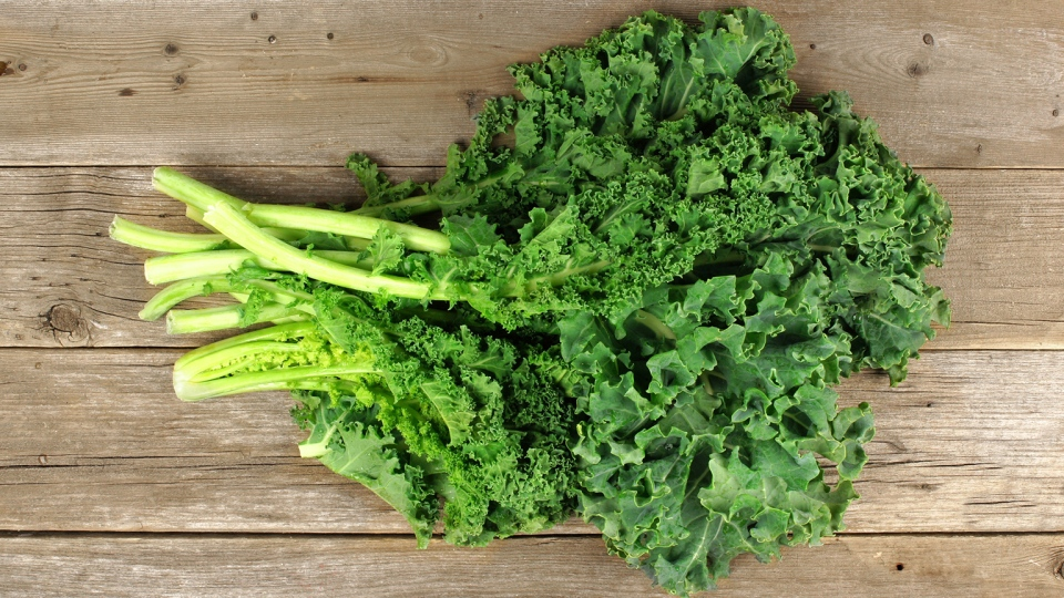 The trend for kale, which is hugely fashionable, has seen upmarket and organic grocery stores selling kale juice, kale soup and a growing number of other kale products. (rodrigobark / Istock.com)