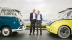 Dr. Eckhard Scholz and Dr. Herbert Diess announce the decision for a series production version of the Buzz ID. (Volkswagen Group)