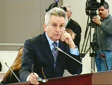 Chief counsel Richard Wolson questions Karlheinz Schreiber (not seen) at the Oliphant Commission in Ottawa on Wednesday, April 15, 2009.