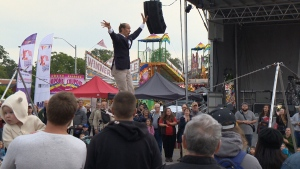 A busker performs at the 2017 Waterloo Busker Carnival. (CTV Kitchener)