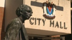 A statue of John A. Macdonald is seen in front of Victoria City Hall. Aug. 25, 2017. (CTV Vancouver Island)