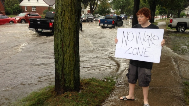 more flooding/DIbALriUwAEaX6H.jpg