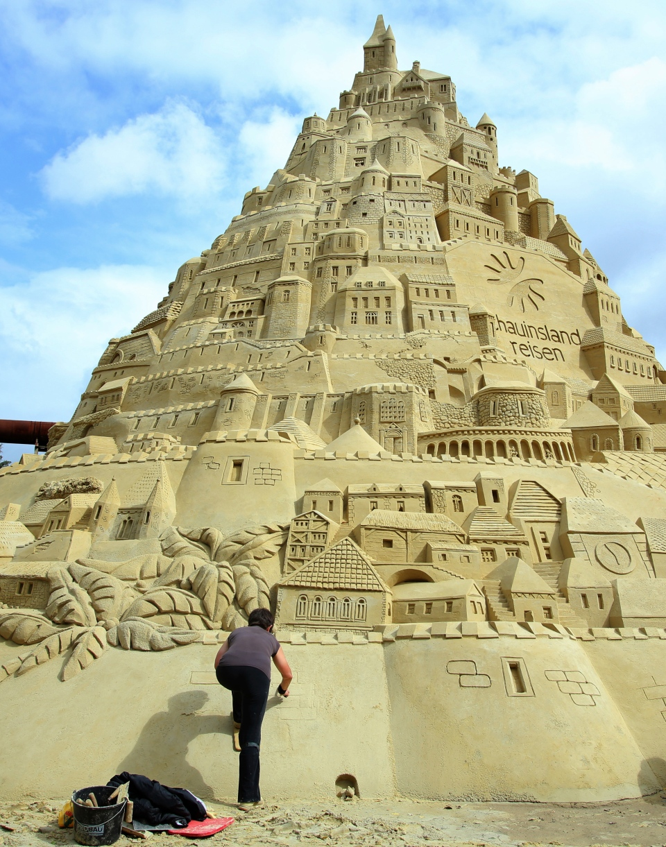 how to build a sandcastle for beginners