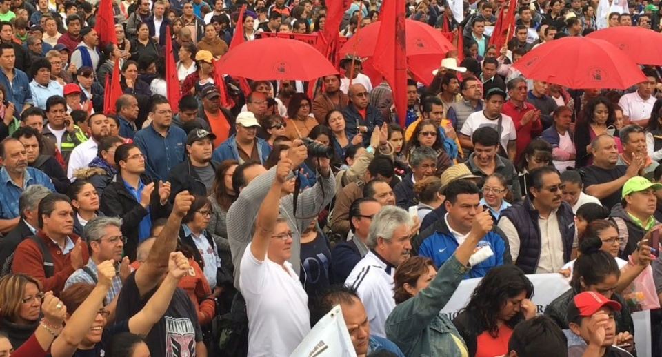 A large crowd takes part in a labour rally during NAFTA talks in Mexico City on Friday, September 1, 2017. (Alexander Panetta / THE CANADIAN PRESS)