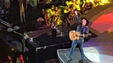 Garth Brooks - Saddledome