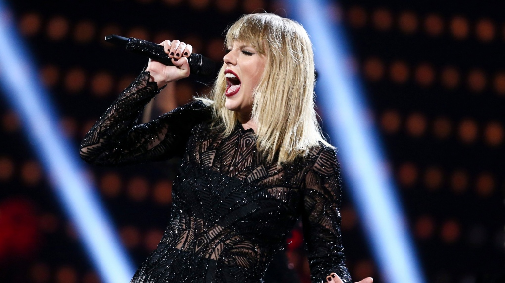 Taylor Swift Holds Moment Of Silence For Aretha Franklin During Detroit Show Ctv News