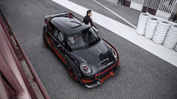 Track-focused Mini concept takes JCW back to its roots