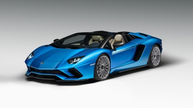 Lamborghini Aventador S Roadster Offers up 740 HP, Open Air Thrills
