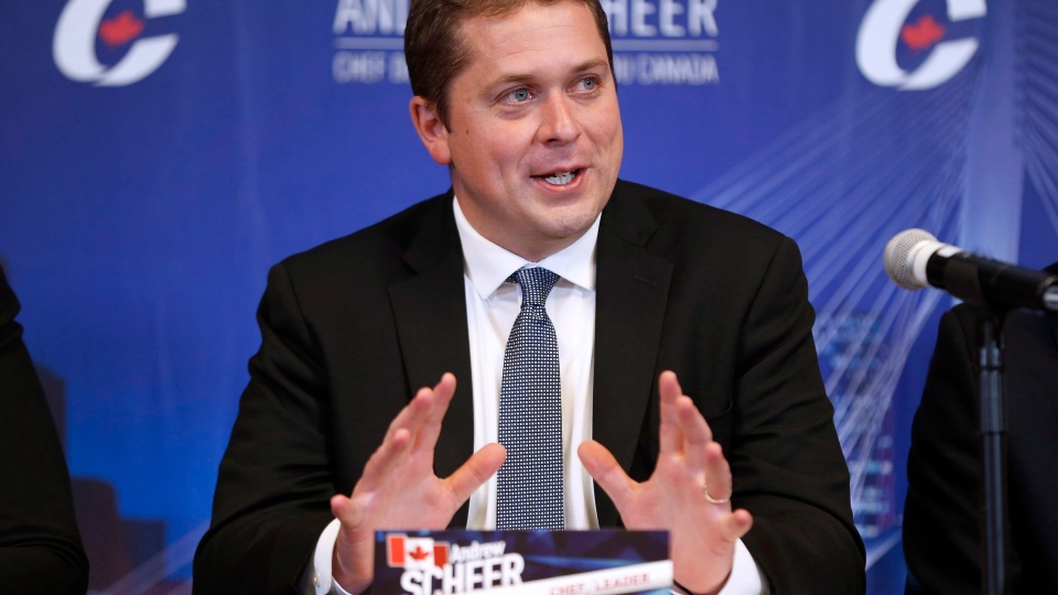 Conservative Party of Canada leader Andrew Scheer speaks at his shadow cabinet meeting in Winnipeg, Wednesday, September 6, 2017. (John Woods / THE CANADIAN PRESS)