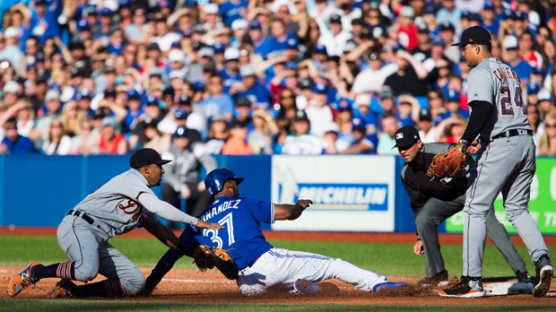 Hernandez hits two home runs, Jays beat Tigers 8-2
