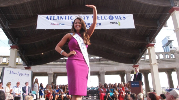 Miss North Dakota Crowned Miss America | 5 Interesting Facts About Cara Mund