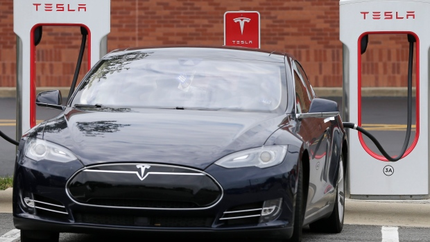 Tesla announces plan to bring Supercharger stations into cities