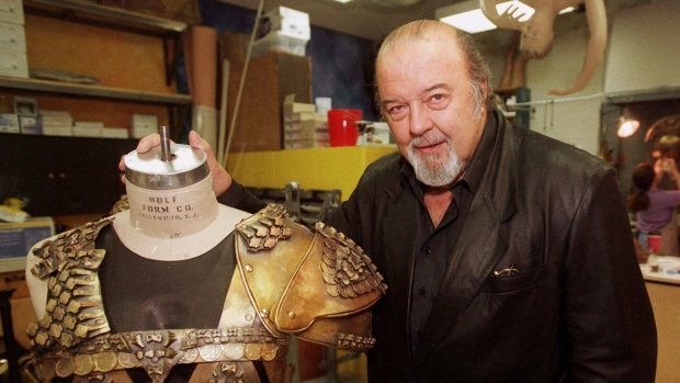 RSC founder Peter Hall dies aged 86