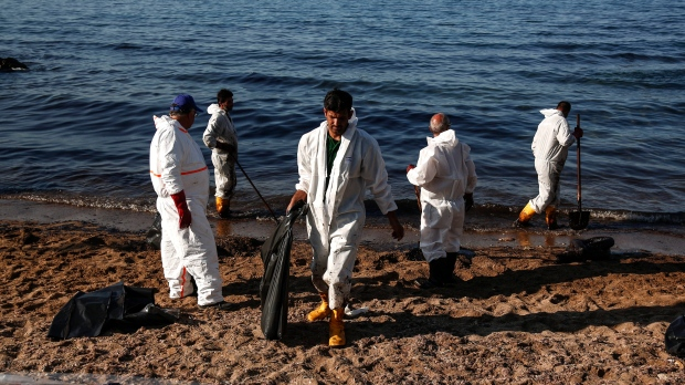 Oil spill near Athens