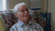 96-year-old Len de Carle