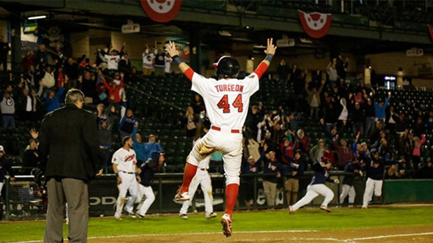 Goldeyes keep championship series alive