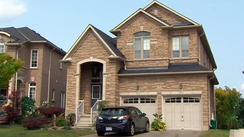 Large house in Vaughan, Ont.